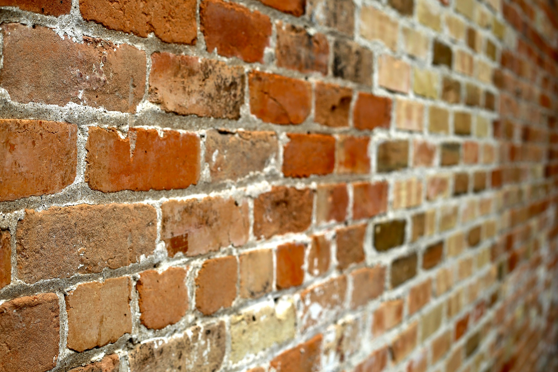wall-of-bricks-445604_1920